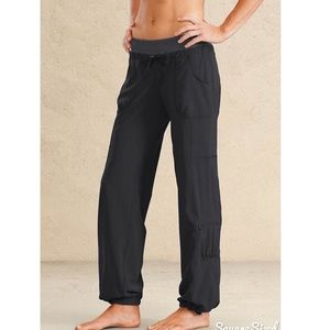 Athleta Loose Fit Active Black Pant
